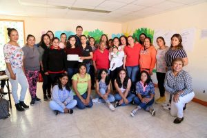 Reunión entre Toño Mejía y promotoras educativas 1