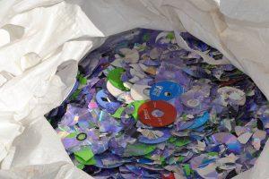 Destruye FGR 3 toneladas de material falsificado 1