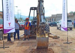 Toño Mejía entregó obras en tres colonias con un valor de 26 MDP 1