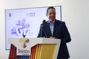 Francisco Domínguez reconoce labor del Hospital Infantil Teletón de Oncología