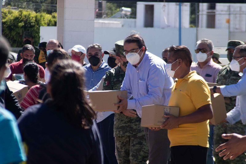 Municipio de SJR continua con los apoyos para habitantes de La Rueda 1