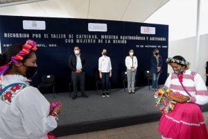 Reconoce Car Herrera de Kuri las tradiciones, gastronomía y artesanías de Amealco